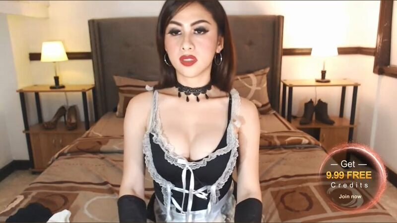 Fresh, french looking t-girl on MyTrannyCams.com